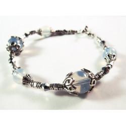Armband mit Glas Opalperlen, geschliffenem Kristallglas und Metallperlen aus Tibetsilber - Schmuck Bastelset