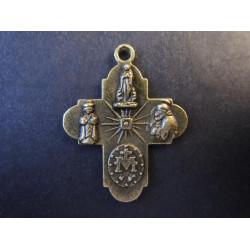 1x Bronze Kreuz 30x23mm Anhänger Kruzifix bronzefarben Schmuckanhänger - bronze Schmuckzubehör