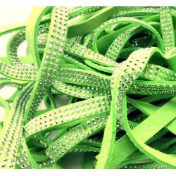 1m hellgrünes Kunstlederband 8mm mit silber Nieten grünes Schmuckband in Wildlederoptik für Armbänder - Schmuckzubehör Lederband