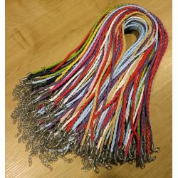 Ca. 100 bunte Lederkordeln 3mm mit Verschluss und Verlängerungskette - Schmuckzubehör Lederband