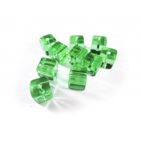 10x Hellgrüne Kristallglas Würfel Perlen 8 x 8 mm