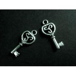 2x Schlüssel ca. 9x22 mm silberfarben Schmuckanhänger